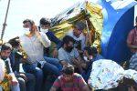 Nuovo sbarco a Crotone, oltre cento migranti arrivati a bordo di un peschereccio