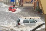 Bomba d'acqua nel Catanese, a Scordia il vento scoperchia una casa di riposo: soccorsi in azione