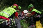San Giorgio Morgeto, scivola mentre cerca origano: 30enne salvato con l'elicottero