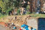 """Cosenza, la denuncia: """"Quartiere sporcato a 24 ore dalla bonifica"""""""