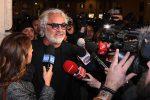 """Briatore ricoverato a Milano: """"Coronavirus? Ho una prostatite"""". Ma il tampone è positivo"""
