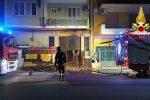 Messina, incendio in una ferramenta di Giampilieri: fiamme sulla statale 114