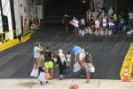 La nave quarantena è arrivata a Lampedusa, migranti a bordo e hotspot svuotato