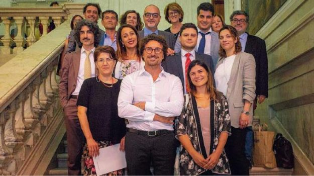 m5s, restituzioni, Calabria, Politica