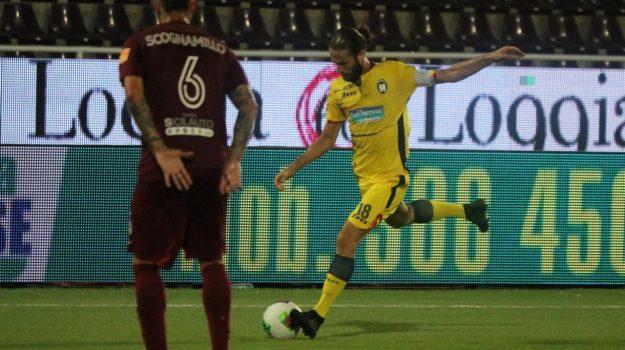 """Il Crotone a Trapani non """"punge"""", finisce 2-0"""