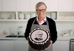 Bill Gates e la torta di compleanno per i 90 anni dell'amico Warren Buffett Bill Gates e la torta di compleanno per i 90 anni dell'amico Warren Buffett - Corriere Tv