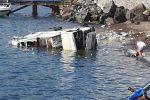 Camion dei rifiuti in mare a Lipari, l'autista in Rianimazione