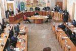 Comune di Cosenza, bilancio riequilibrato: l'opposizione boccia Occhiuto