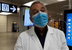 Coronavirus, il direttore dello Spallanzani: «Vaccino entro la primavera» Francesco Vaia dell'ospedale di Roma all'aeroporto di Fiumicino - Ansa