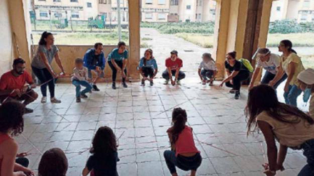 bimbi, cortili, giochi, Sicilia, Archivio