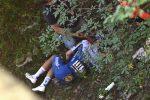 Giro di Lombardia, terribile caduta per il belga Evenepoel: frattura al bacino e stagione finita