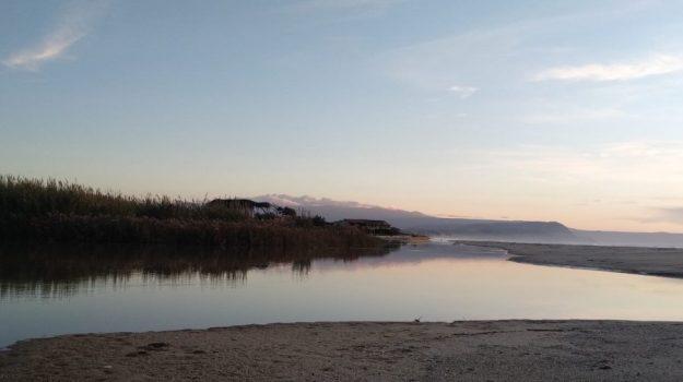 ambiente, fiume, foce, riserva naturale, Angelo Calzone, Jasmine De Marco, Catanzaro, Calabria, Cronaca