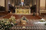 Incidente mortale in Sardegna, tanti ragazzi al Duomo di Messina per l'addio a Davide