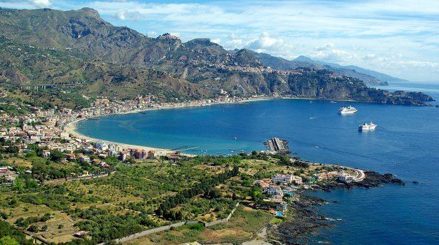 spiagge, Messina, Sicilia, Società