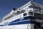La nave quarantena al largo della costa di Corigliano, 293 cabine per l'accoglienza dei migranti