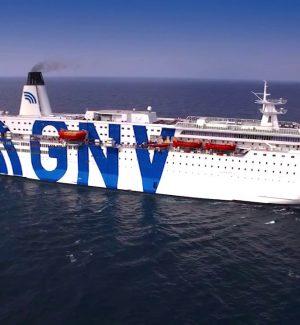 Migranti, salgono a 24 i positivi al Coronavirus sulla nave quarantena ferma a Trapani