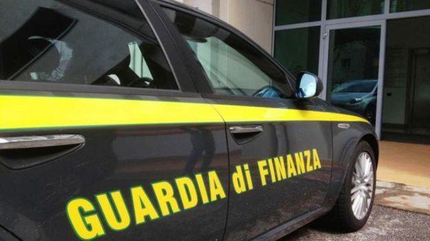 crotone, evasione fiscale, guardia di finanza, Catanzaro, Cronaca