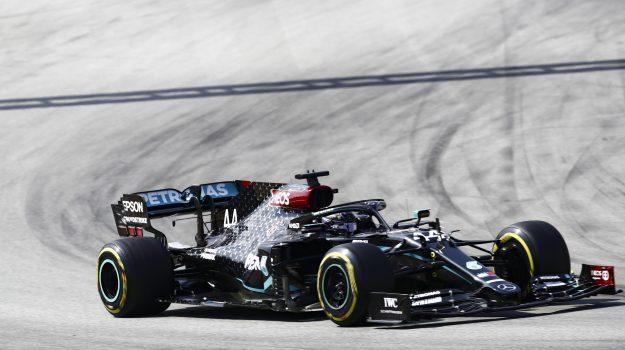 ferrari, formula 1, Lewis Hamilton, Sicilia, Sport