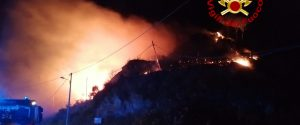 Notte di fuoco a Messina, incendi a San Saba e in provincia: Piraino, Rometta e Milazzo