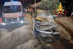 Lamezia, incidente a Marinella: auto in fiamme. Quattro feriti, c'è anche un bimbo