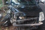 Auto contro un palo a Reggio Calabria, grave il conducente: ferito anche il figlio