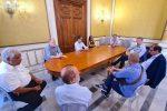 """Suolo pubblico, il sindaco di Reggio: """"Spazi gratis alle aziende ma attenzione alla sicurezza"""""""