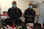 Merce contraffatta tra le zone costiere di Catanzaro, sequestrati oltre mille capi
