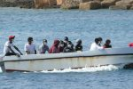 Sbarco di 50 migranti a Palizzi, molti bambini e donne