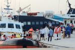 "Lampedusa, i migranti trasportati sulla nave quarantena ""Rhapsody"": si svuota l'hotspot"