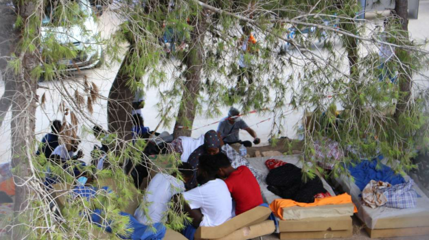 lampedusa, migranti, Sicilia, Politica