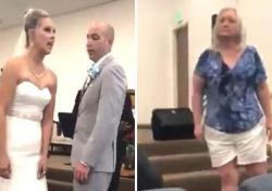 «Mio figlio non ha difetti»: la suocera dà in escandescenze, cacciata dal matrimonio Il filmato (nel frattempo virale) girato durante un matrimonio in California - CorriereTV