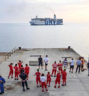 Nave per la quarantena dei migranti in Calabria, stazionerà a Gioia Tauro