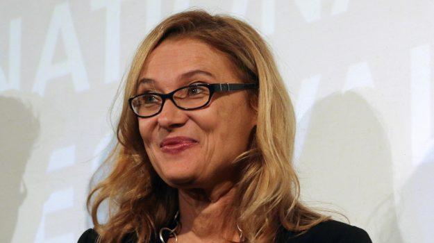 gossip, Luciano Pavarotti, Nicoletta Mantovani, Sicilia, Società