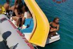 Il pedalò si guasta al largo di Sellia Marina, salvati alcuni bagnanti