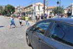 Messina, infuria la protesta a Bisconte: i residenti si scagliano contro le auto in transito