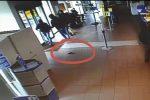 Colpi agli uffici postali a Falerna e Lamezia, tre arresti: le immagini che li incastrano