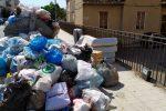 Spazzatura sulle strade e cassonetti stracolmi, viaggio tra i rifiuti a Messina