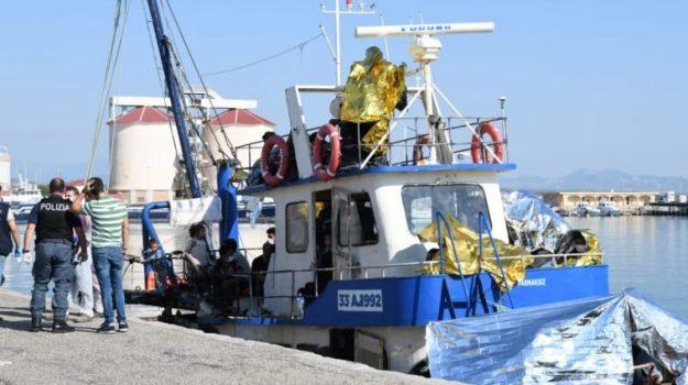 migranti, sbarco, Catanzaro, Calabria, Cronaca