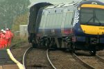 Treno deraglia in Scozia, tre vittime e sei feriti gravi
