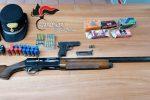 Zungri, una pistola e un fucile con munizioni in garage: arrestato un 55enne
