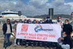 """Blu Jet, sit-in dei marittimi a Messina: """"Il Ponte sullo Stretto siamo noi"""""""