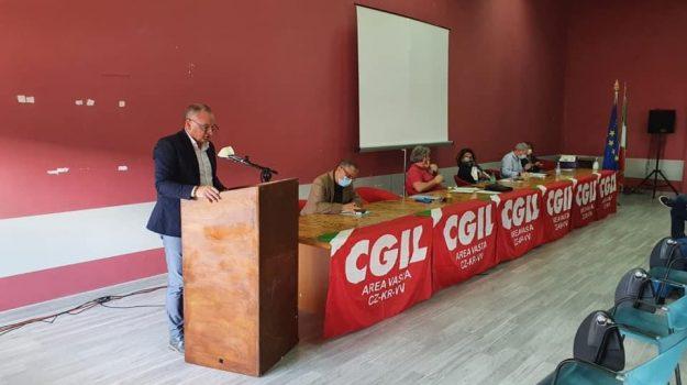 cgil, crotone, vibo valentia, Catanzaro, Calabria, Economia