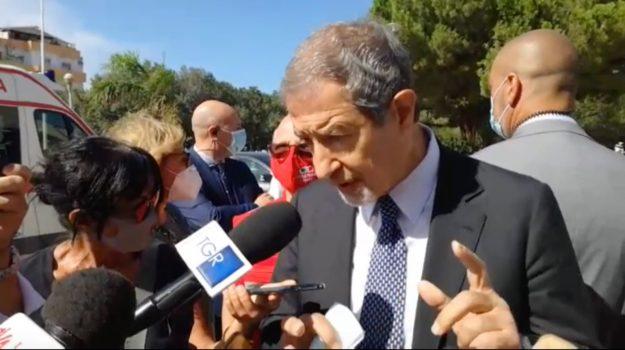 Obbligo di mascherine anche all'aperto e da soli, nuova ordinanza in Sicilia