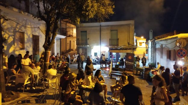 food, Cosenza, Calabria, Società