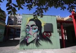 Armine Harutyunyan, la modella di Gucci ritratta su un murale a Napoli Al writer Raffo arriva il messaggio della ragazza via Instagram: «Thanks for magic» - Ansa