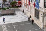 Zaino-bomba al Comune di Crotone: attimi di paura ed edificio evacuato, c'è un sospettato