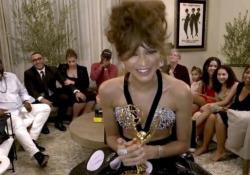 Emmy Awards, Zendaya vince come miglior attrice ed entra nella storia: «Ancora non ci credo» L'ex reginetta Disney è la più giovane donna di sempre a vincere il premio per una serie drammatica - LaPresse/AP