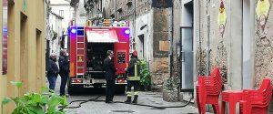 Rogliano, fulmine colpisce una canna fumaria e genera un incendio in una pizzeria