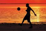 """""""Non dire addio ai sogni"""", Gigi Riva racconta la tratta dei calciatori"""