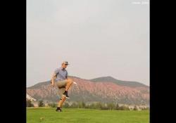 Golf, Max Hilty palleggia con la pallina Oltre a essere un campione nel golf, Max Hilty avrebbe potuto avere una carriera anche nel calcio - Dalla Rete
